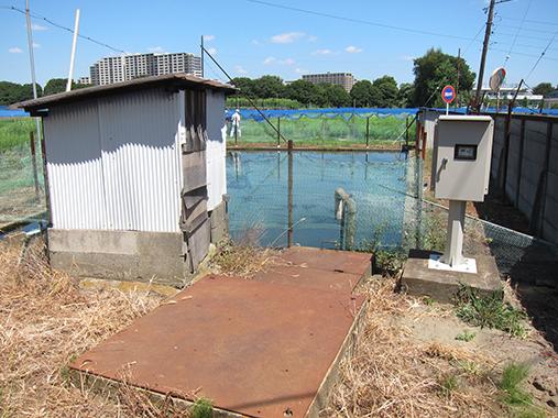 サイズ変更水田用ポンプ小屋と水温調整池IMG_9660